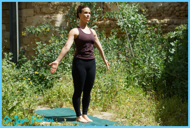 9 yoga poses to open your shoulders _8.jpg
