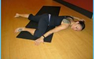 9 yoga poses to release the hips _3.jpg