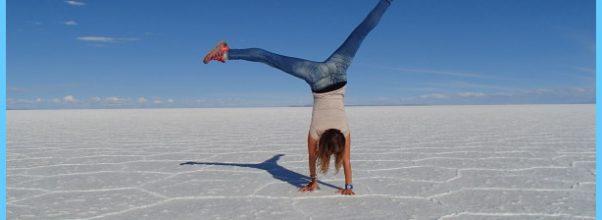 Adho Mukha Vrksasana Yoga_18.jpg