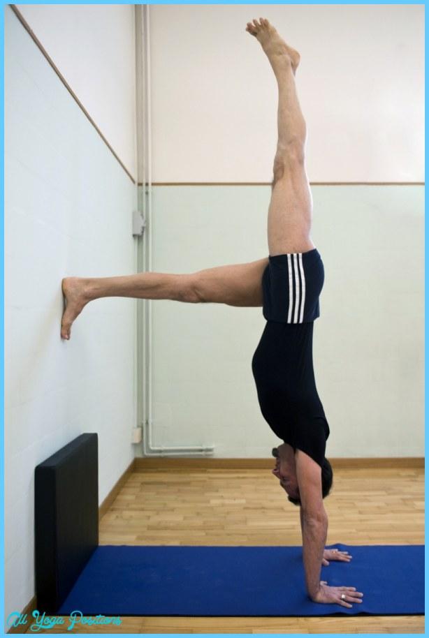 Adho Mukha Vrksasana Yoga_2.jpg