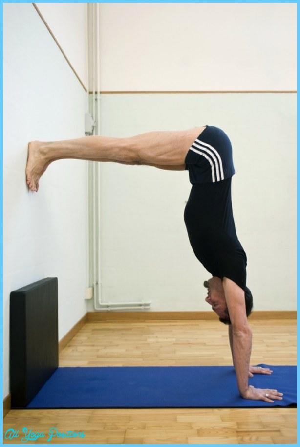 Adho Mukha Vrksasana Yoga_52.jpg