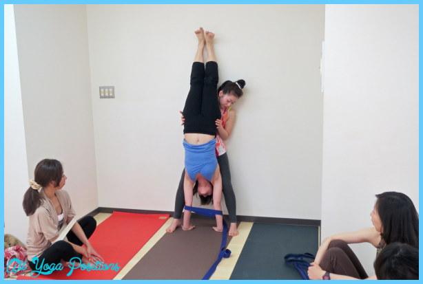 Adho Mukha Vrksasana Yoga_55.jpg