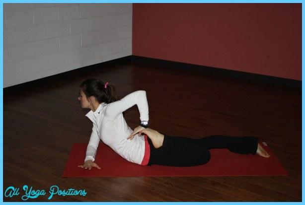 Ardha Bhekasana Pose Yoga _7.jpg