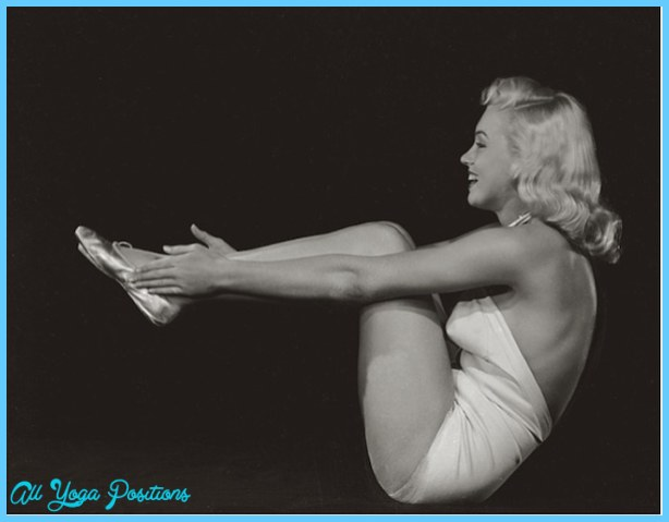 Ardha Navasana Pose Yoga_41.jpg