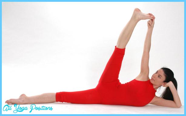 Ardha Navasana Pose Yoga_8.jpg