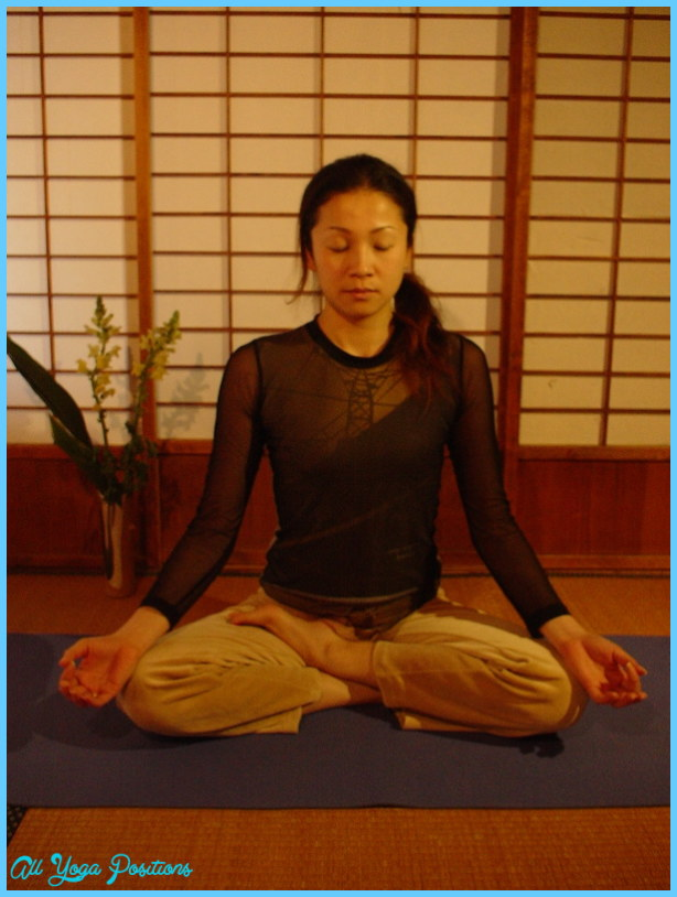 Ardha Padmasana Pose Yoga _12.jpg