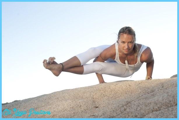 Astavakrasana Pose Yoga_1.jpg