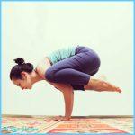 Bakasana Pose Yoga_2.jpg