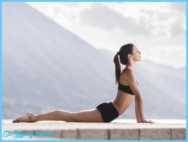 Bhujangasana Pose Yoga_3.jpg