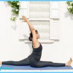Hanumanasana (Hanuman's pose), full split, yoga for hamstrings, yoga ...