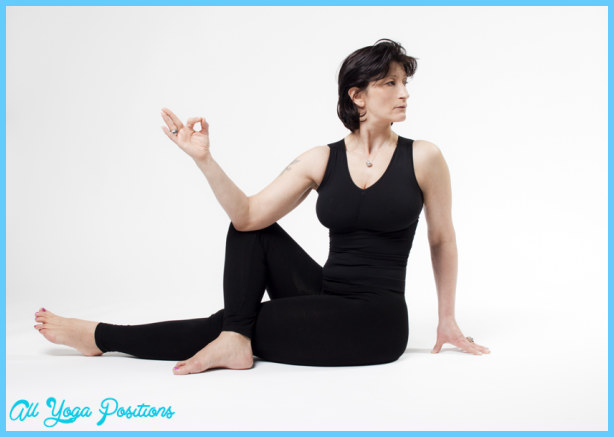 Marichi's Pose Yoga III, Seated twist_25.jpg