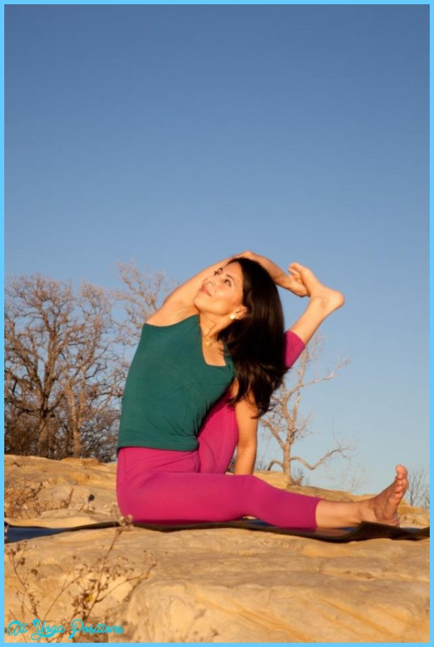 to winCompass Pose ~ Parivrtta Surya Yantrasana with Inner Beauty Yoga ...