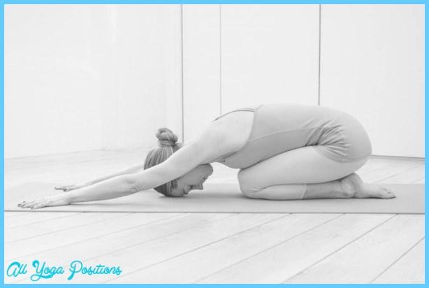 posturas de yoga para el dolor de cabeza - Analitica.com