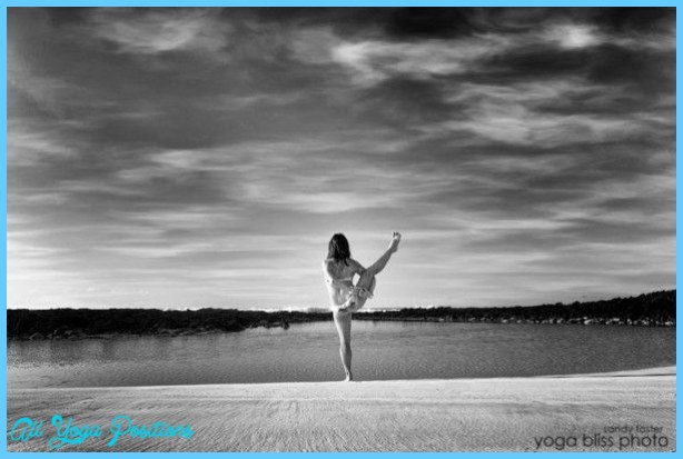 Svarga Dvidasana from Yoga Bliss Photography » Yoga Pose Weekly