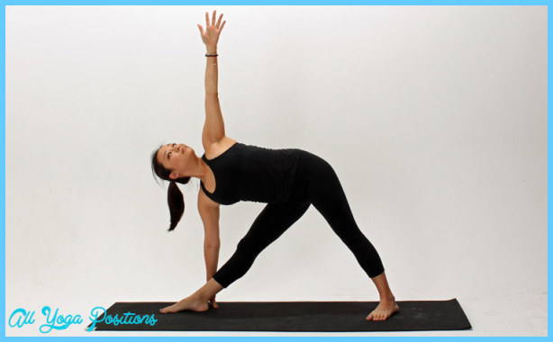 Triangle Pose Yoga _21.jpg
