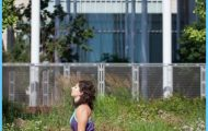 Urdhva Mukha Svanasana in front of Chicago's Modern Wing Urban ...