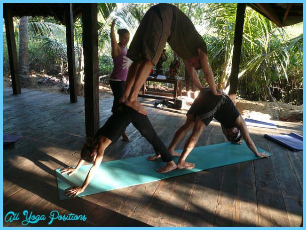 Yoga poses 3 person easy  _2.jpg