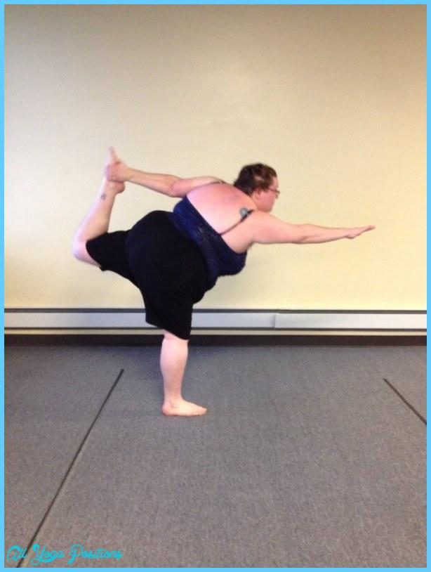 Yoga poses 6 months pregnant _10.jpg