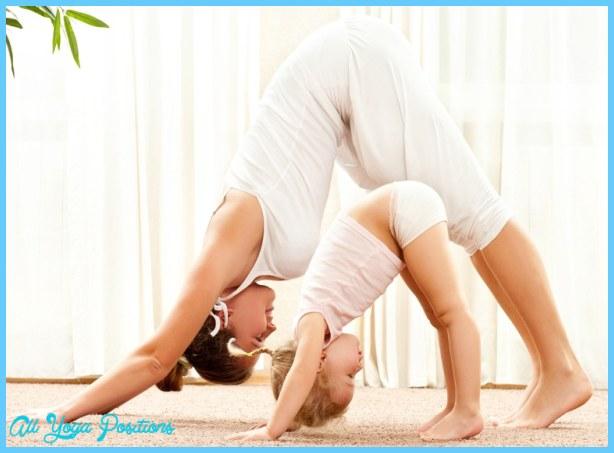 Yoga poses 6 months pregnant _12.jpg