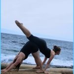 Yoga poses couple _12.jpg