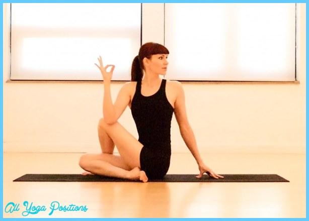 Yoga poses daily  _4.jpg