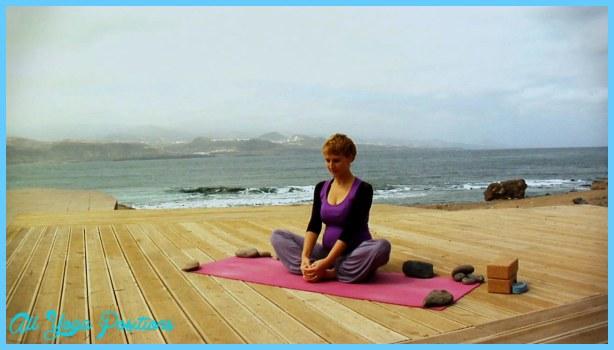 Yoga poses during labor _18.jpg
