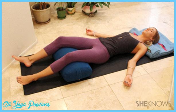 Yoga poses during period _2.jpg