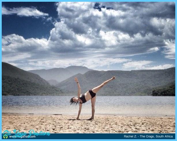 Yoga poses half moon _23.jpg
