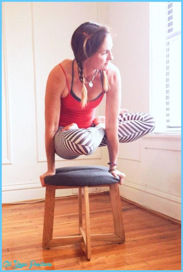 Yoga poses instagram _2.jpg