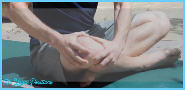 Yoga poses knee pain _6.jpg