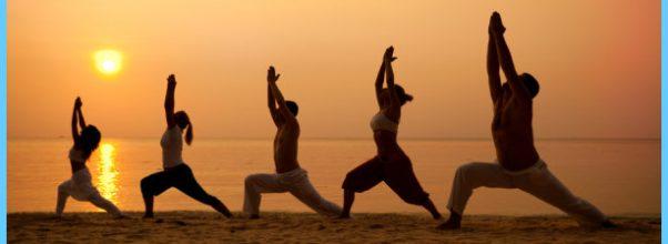 Yoga poses on the beach _4.jpg