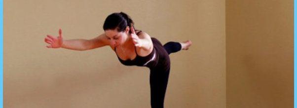 Yoga poses to strengthen back  _8.jpg