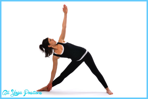 Extended Triangle Pose Yoga _14.jpg
