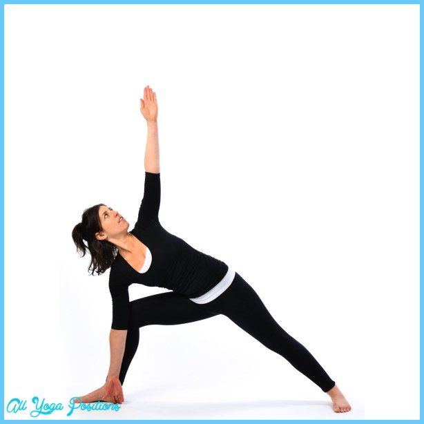 Extended Triangle Pose Yoga _17.jpg