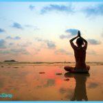 Yoga on the beach _1.jpg