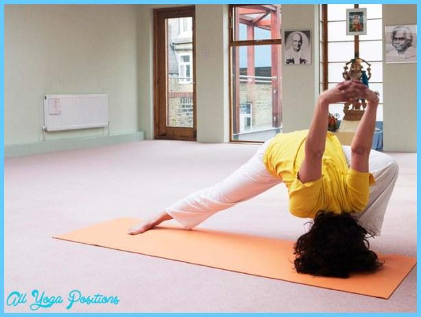 sivananda_yoga003_pecl_x_mob.jpg?h=530