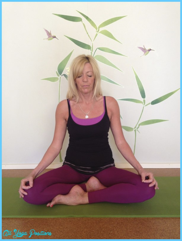 Sukhasana-Easy-Pose-for-Meditation.jpg