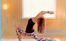 Low Lunge Yoga Pose_17.jpg