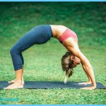 Creative Yoga Poses_6.jpg