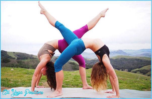 Partner Yoga Poses Beginners_13.jpg