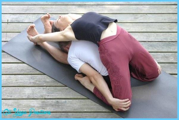 Partner Yoga Poses Beginners_20.jpg