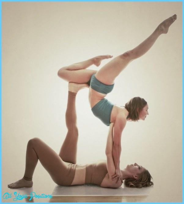 Partner Yoga Poses Beginners_21.jpg