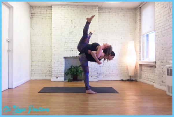 Partner Yoga Poses Beginners_9.jpg
