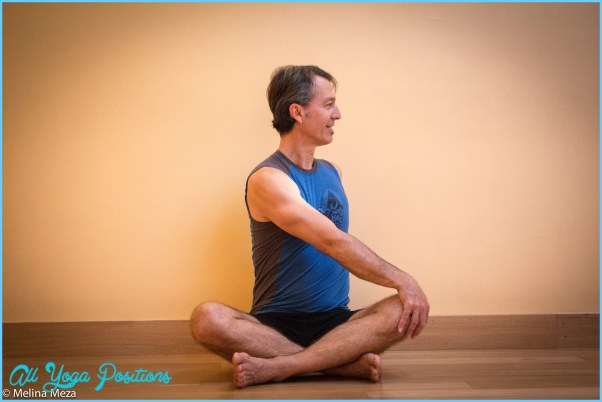 Seated Twist Yoga Pose_18.jpg