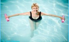 Water Aerobics Exercises For Seniors_19.jpg