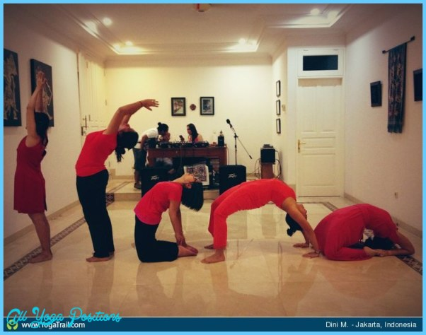 Group Yoga Poses Pictures_15.jpg