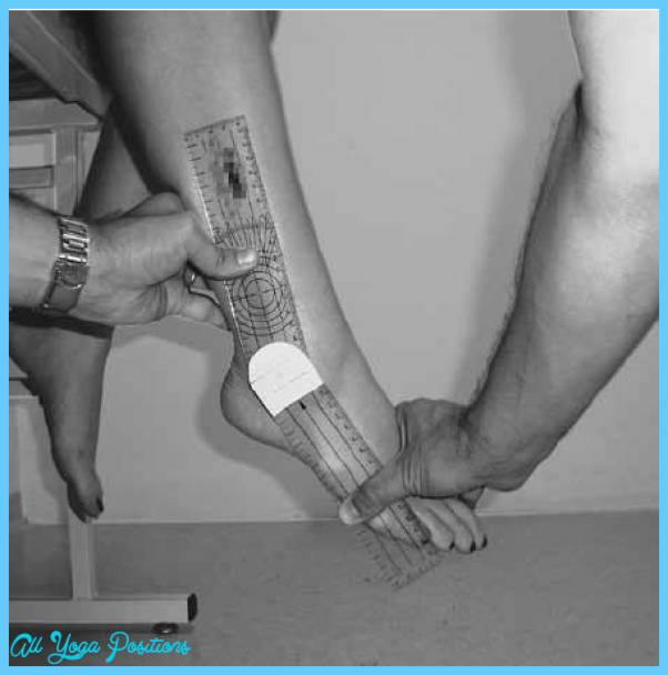 Positioning-of-participant-the-observers-hands-and-the-goniometer-during-measurement.png