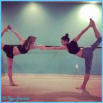 celeb-yoga-lea-michele.jpg