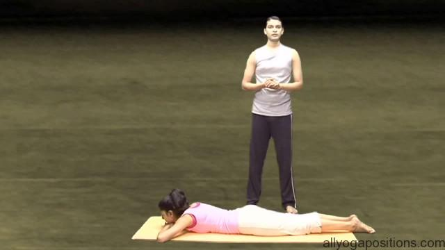 easy and simple yoga exercise for couples 13