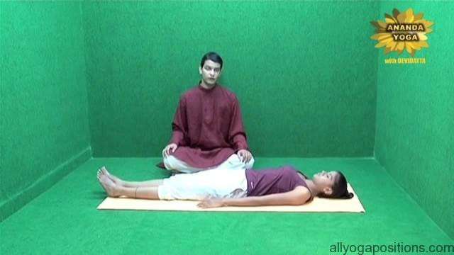 general level 4 yoga advance leg stretch 07